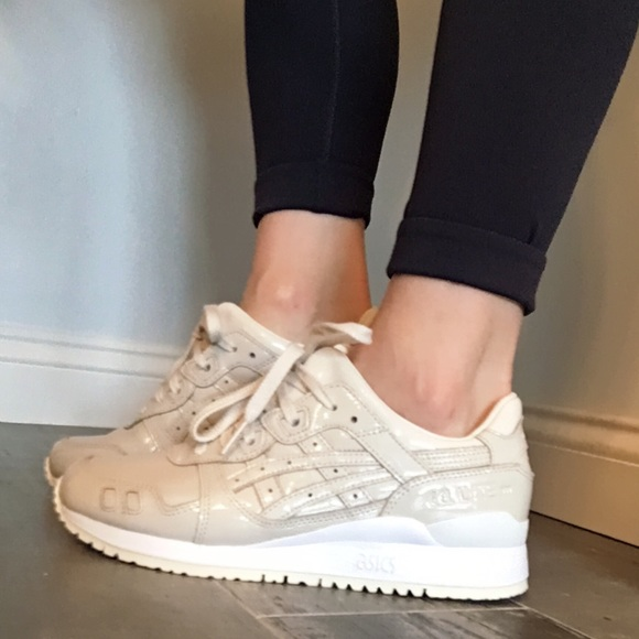 official photos 45905 8d06a ASICS Onitsuka Tiger Gel Lyte III Patent Leather NWT